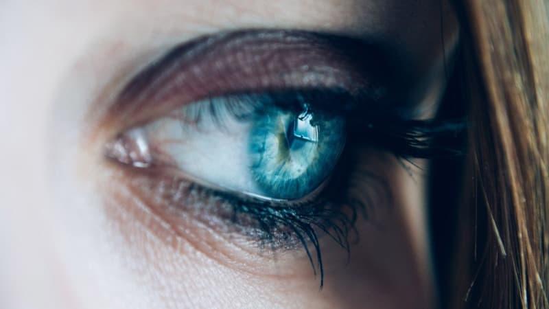 Mit Kontaktlinsen schlafen - Schlafen mit Kontaktlinsen