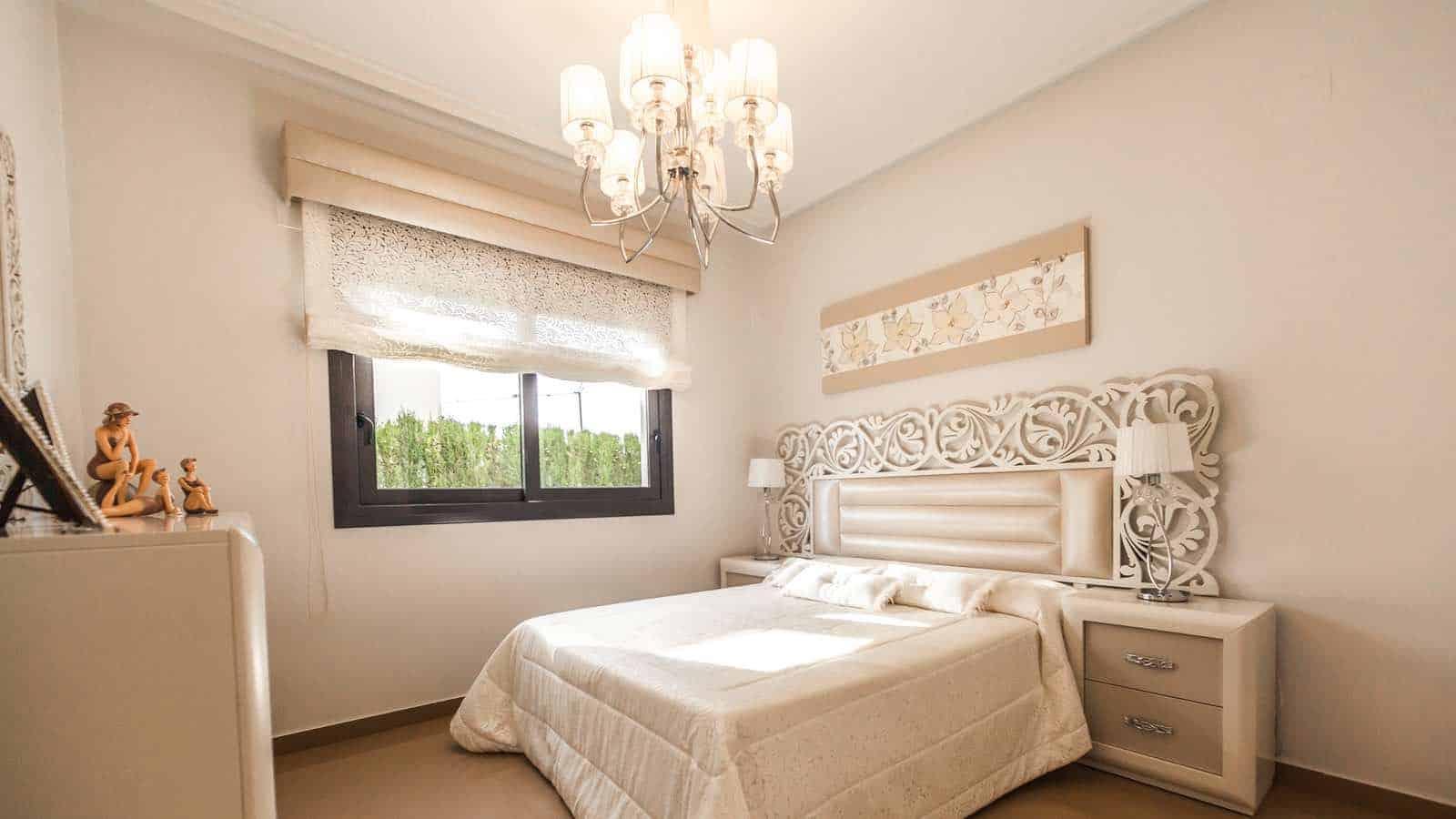 Die Farbe Weiß Ist Eine Gute Farbe, Um Dein Schlafzimmer Romantisch Zu  Gestalten