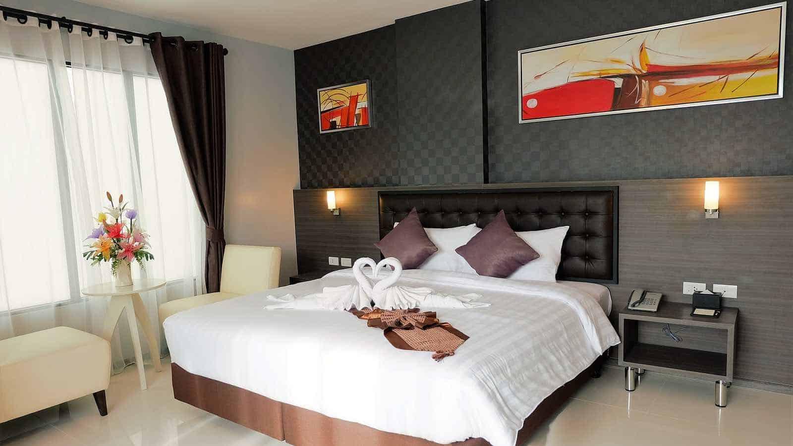 Die Tapete Und Wandfarbe Ist Bei Einem Romantischem Schlafzimmer Sehr  Wichtig