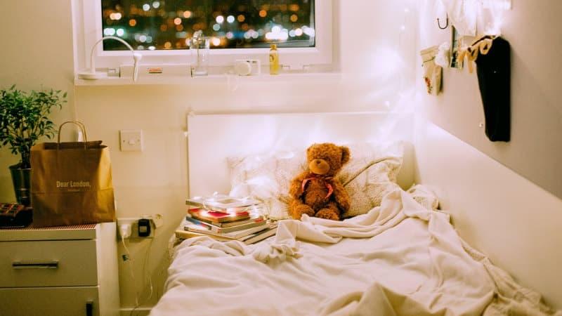 Schiebe Dein Bett Gegen Eine Ecke