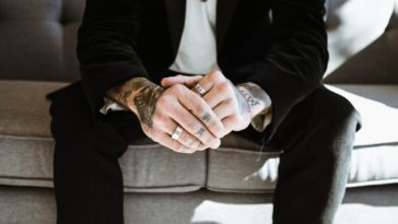 Schnarchring   Unglaubliche Akupressur Am Finger Gegen Schnarchen