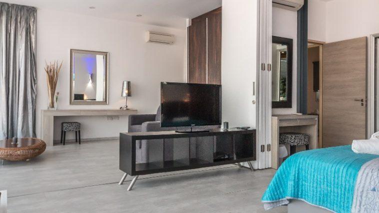 fernseher im schlafzimmer vor und nachteile. Black Bedroom Furniture Sets. Home Design Ideas
