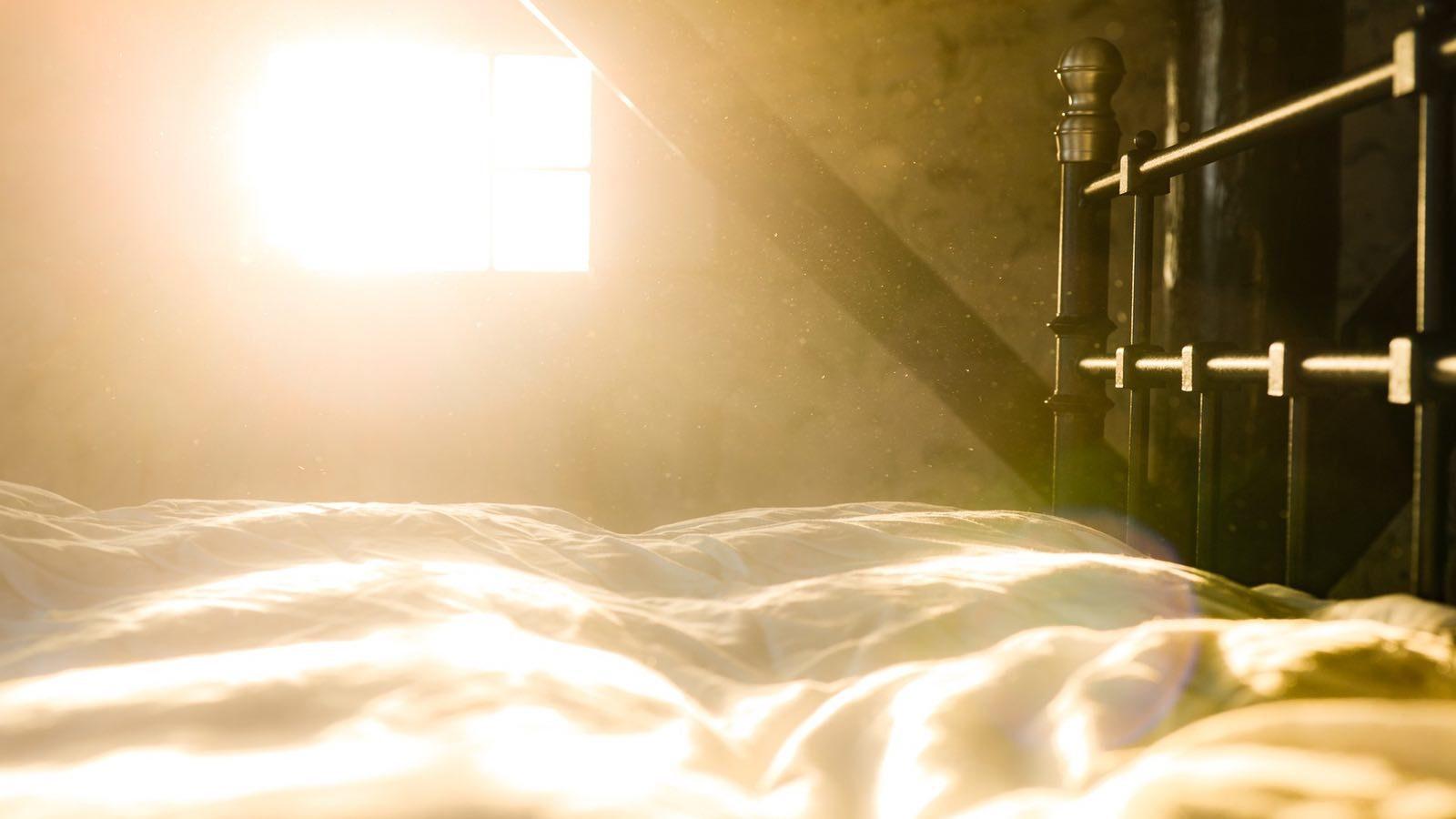 Staub im Schlafzimmer: So wirst du Dreck und Staub los!