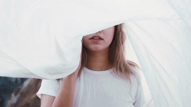 Trockener Mund in der Nacht- Gründe, Ursachen und Behandlungen