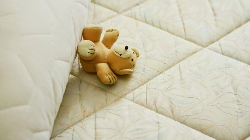 matratzenwechsel wann wechseln und wie lange h lt eine matratze. Black Bedroom Furniture Sets. Home Design Ideas