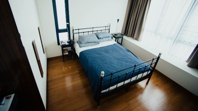 Ideen für kleine Schlafzimmer- Den Raum größer wirken lassen