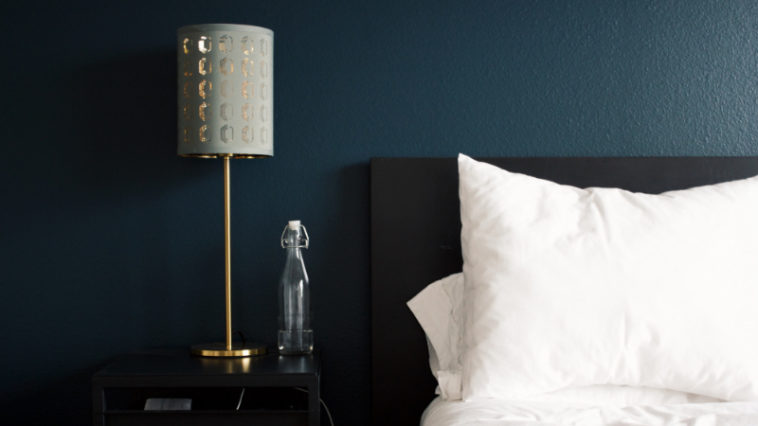 Bunte Farben fürs Schlafzimmer, die dich glücklicher machen