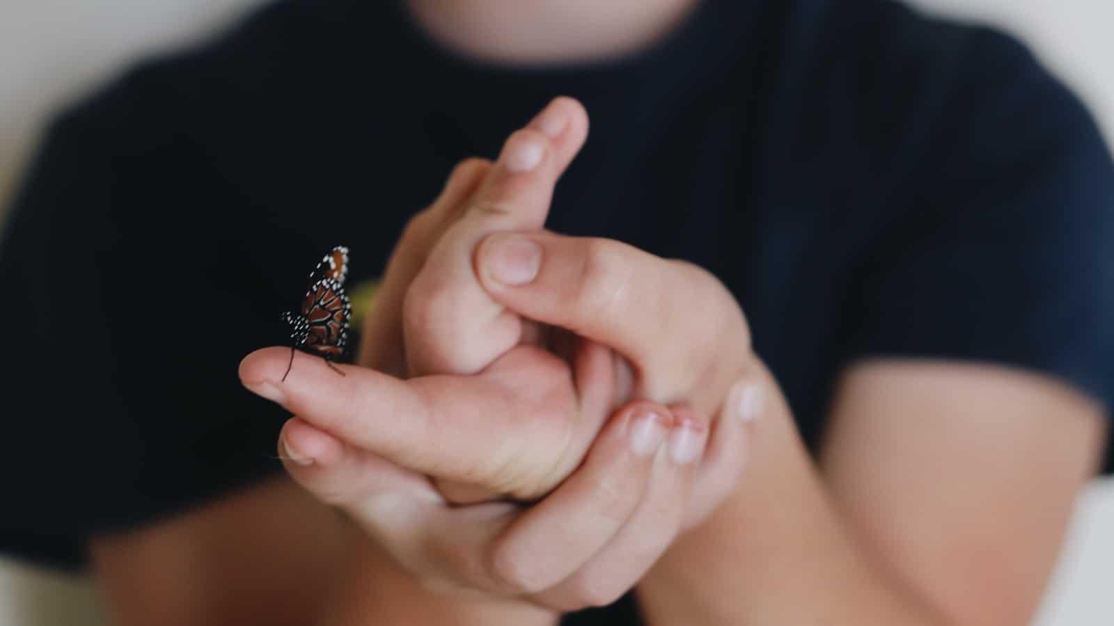 Fingernägel kauen- Diese 5 Tipps helfen gegen Nägelkauen!
