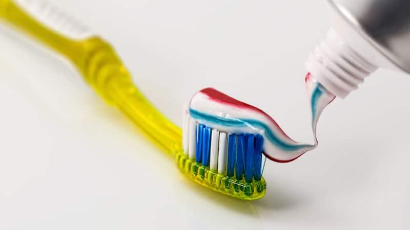 Zahnpasta gegen Pickel- Kann ich Zahnpasta bei Pickeln verwenden?