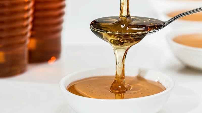 Honig gegen Pickel- Wie man Honig verwendet, um Pickel zu entfernen