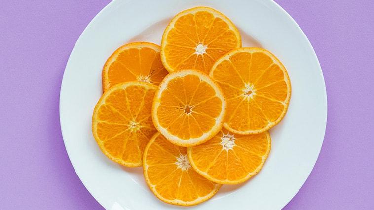 Vitamin-A gegen Pickel: Vorteile, Dosierung, topisch vs. oral & mehr