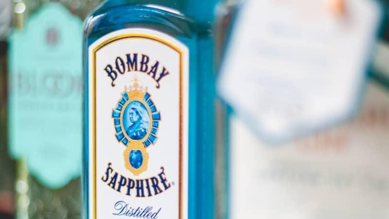 Alkohol gegen Pickel: Kann man mit Alkohol Pickel loswerden?