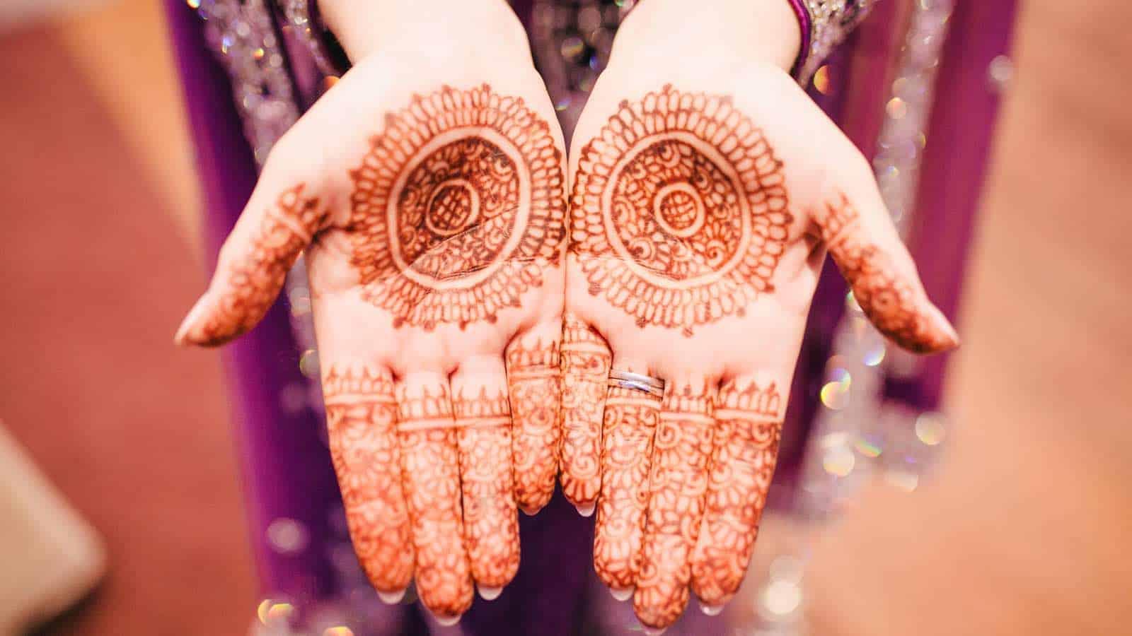 Henna Abend: So funktioniert die muslimische Henna-Zeremonie