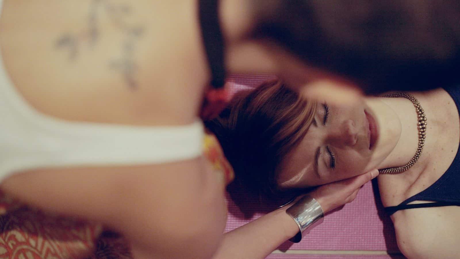 Hilft eine Kopfmassage für ein schnelleres Haarwachstum?