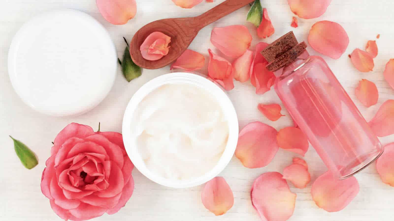 Rosenwasser- Schöne Haut durch die Blume der Liebe