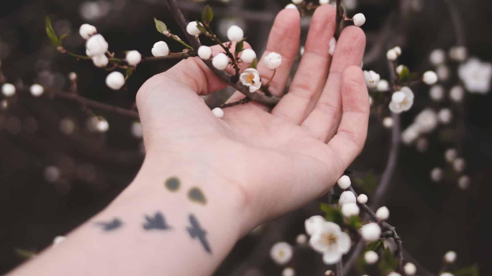 Semikolon-Tattoo- Was bedeutet ein Semikolon-Tattoo