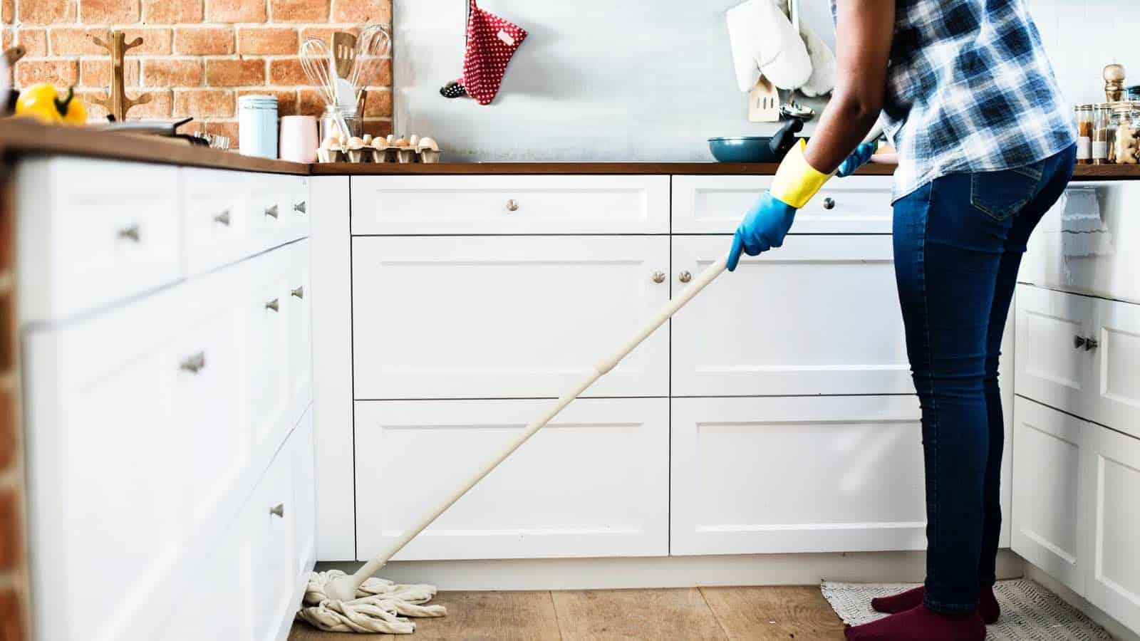 Fugen reinigen: 6 Hausmittel und Tipps | Einfache und