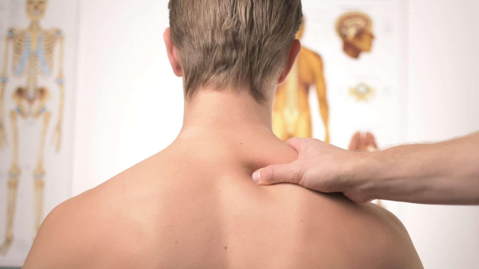 Steifer Hals- Ursachen und Erste - Hilfe - Maßnahmen