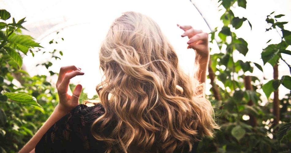 Wie gut pflegen vegane Produkte deine Haare im Vergleich zu herkömmlichen Produkten